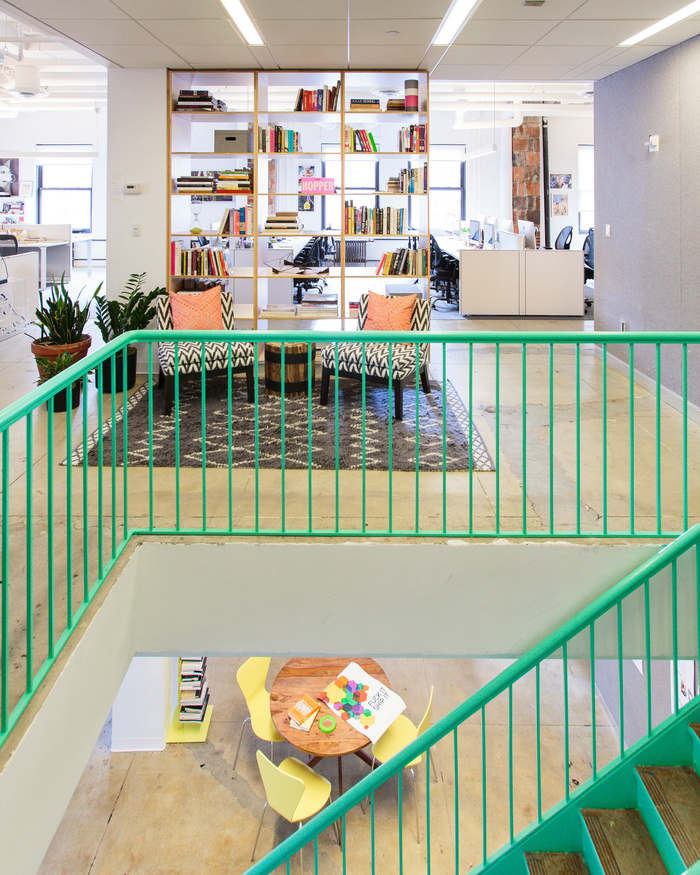 refinery29-office-new-york-city-office-design-4