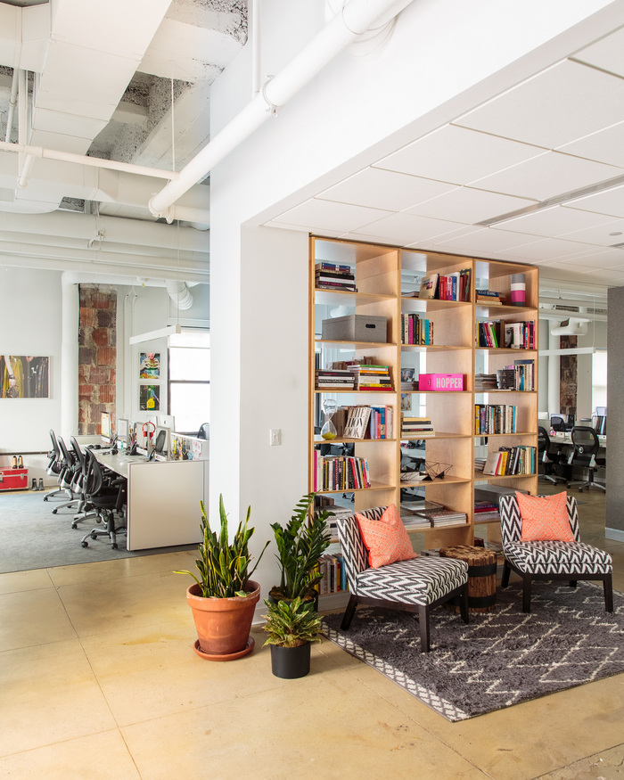 refinery29-office-new-york-city-office-design-5