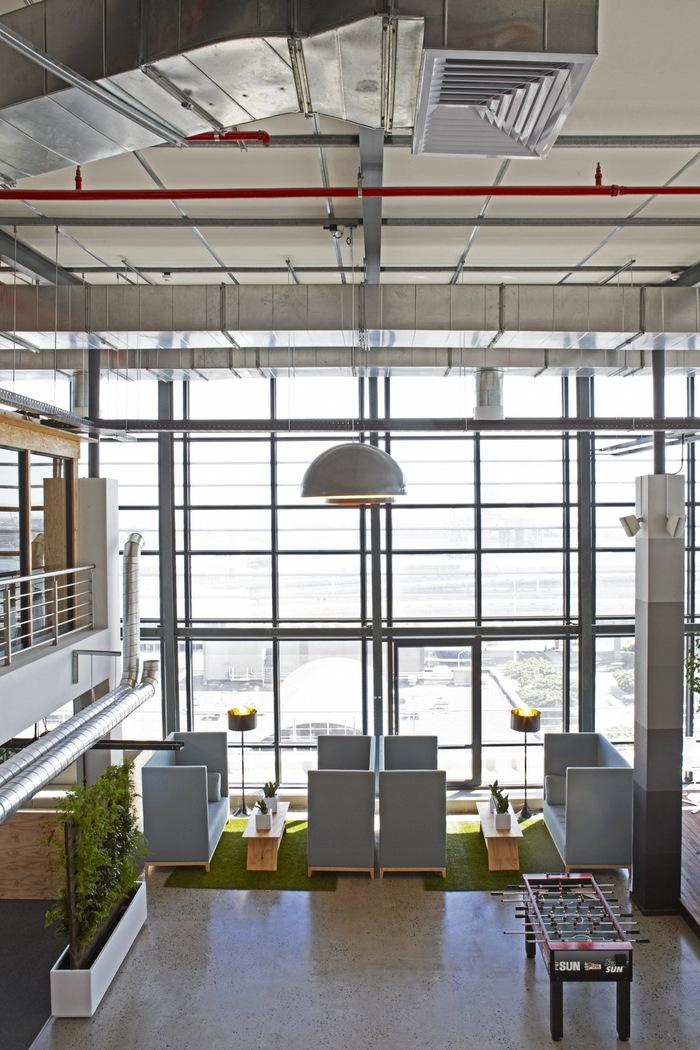 99c-office-design-4