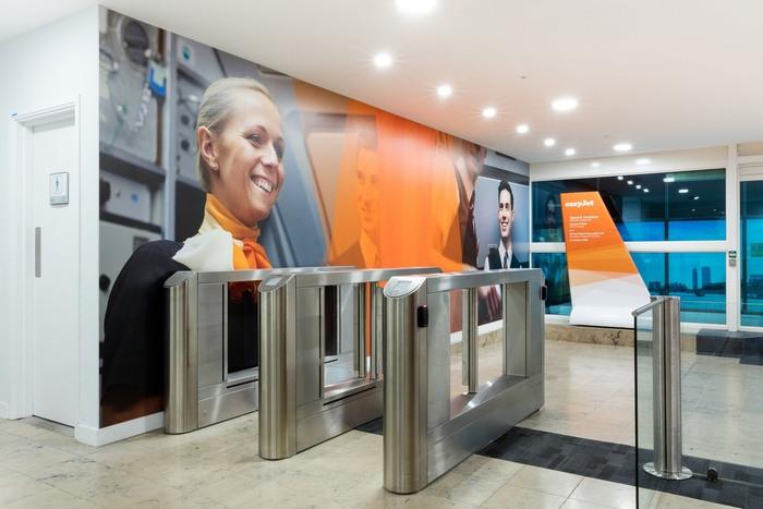 easyjet-gatwick-office-design-2