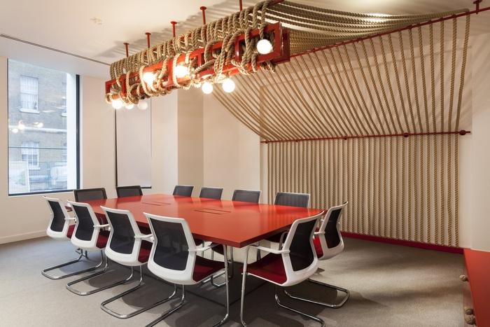 office-space-in-town-monument-office-design-1