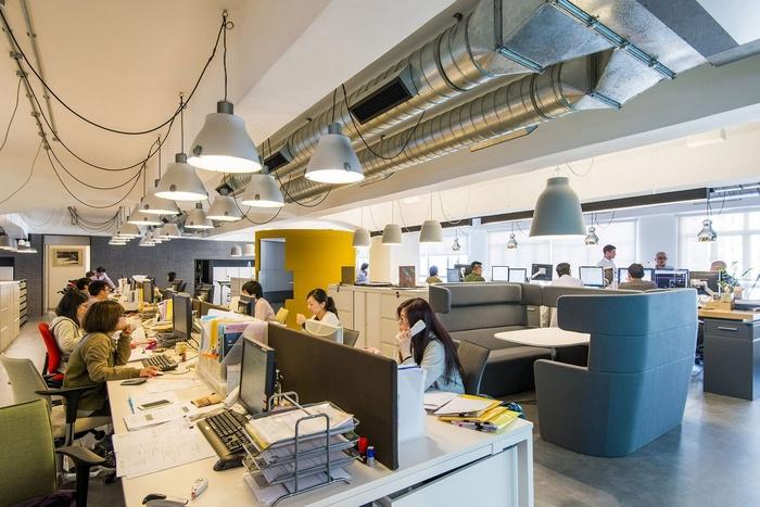 JEB Group - 5F Showroom - Workstations 01