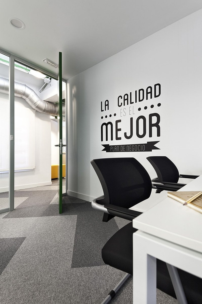 siteground-madrid-office-design-12