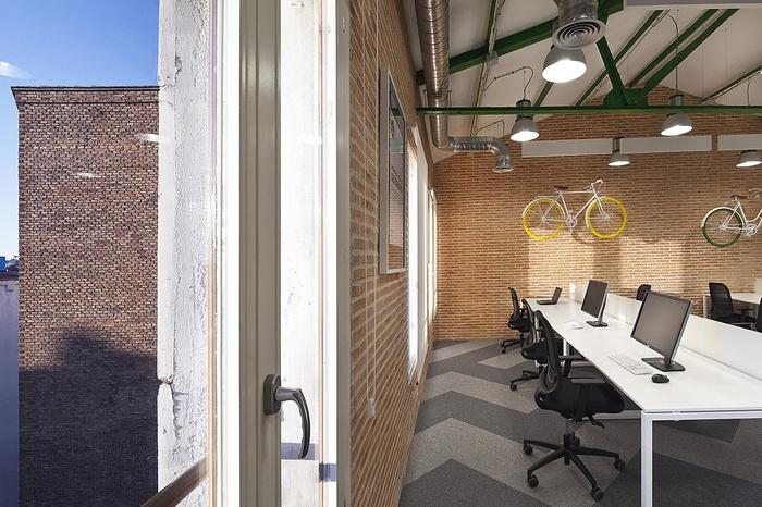 siteground-madrid-office-design-8