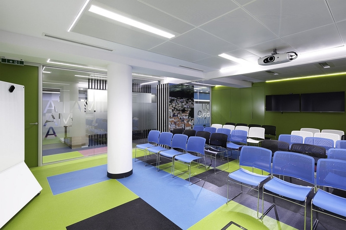 skyscanner-office-design-9