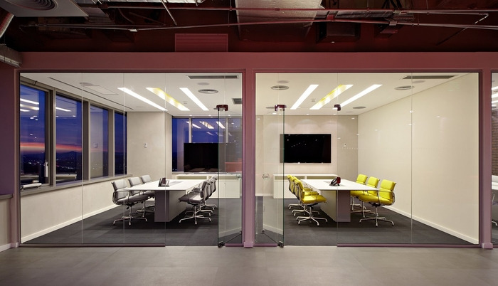 LewLara-TBWA-office-design-14