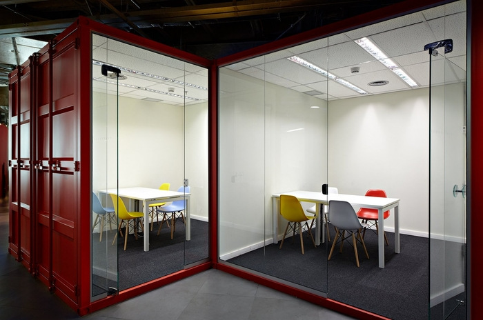 LewLara-TBWA-office-design-2