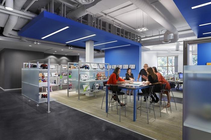 merchsource-office-design-4