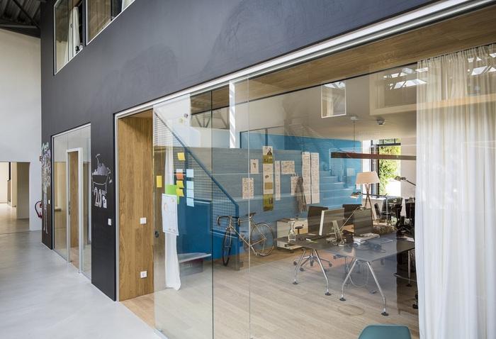 virtual-identity-office-design-3