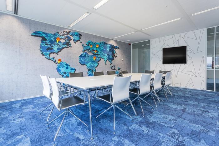 bpc-technologies-office-design-10