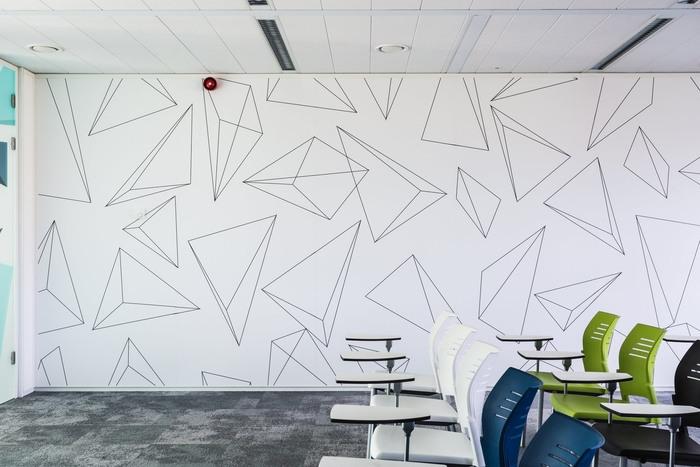 bpc-technologies-office-design-12