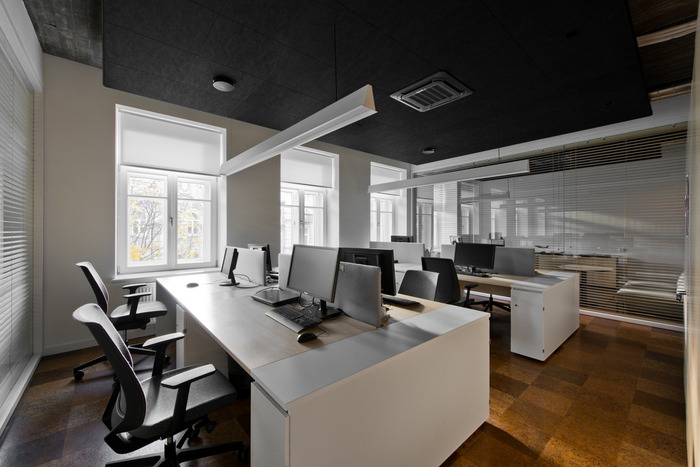 small-planet-airlines-office-design-4