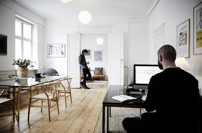 Ruby-Studio-office-6