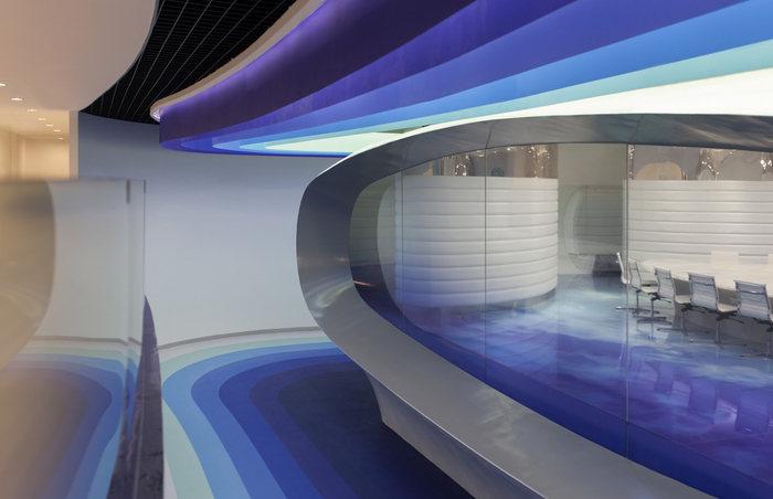 cloud-dcs-data-center-office-design-11