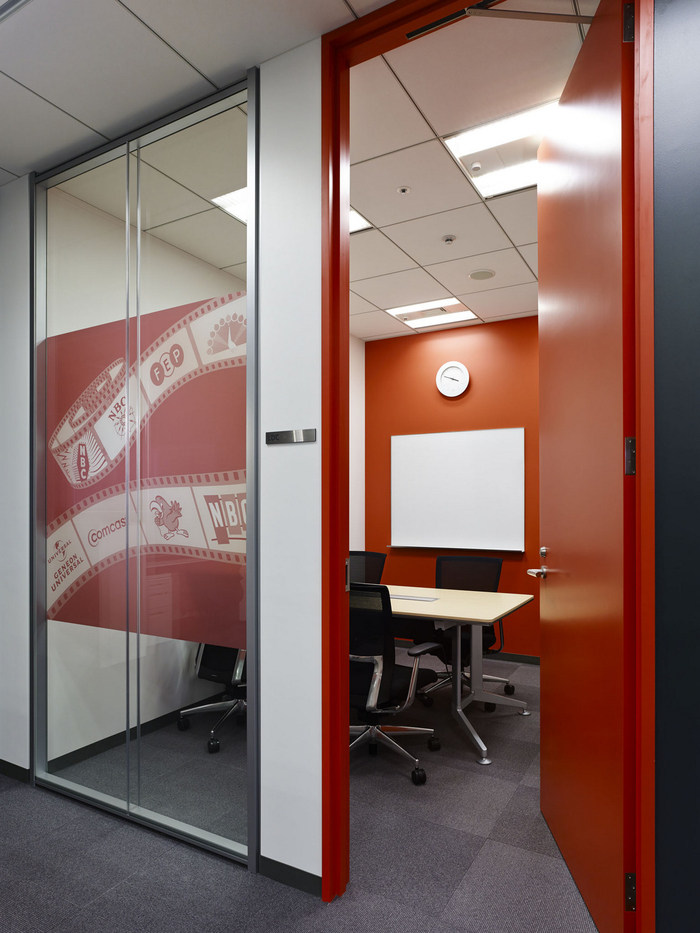 nbc-universal-office-design-4