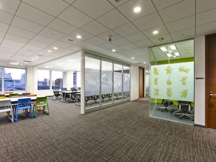 nbc-universal-office-design-6