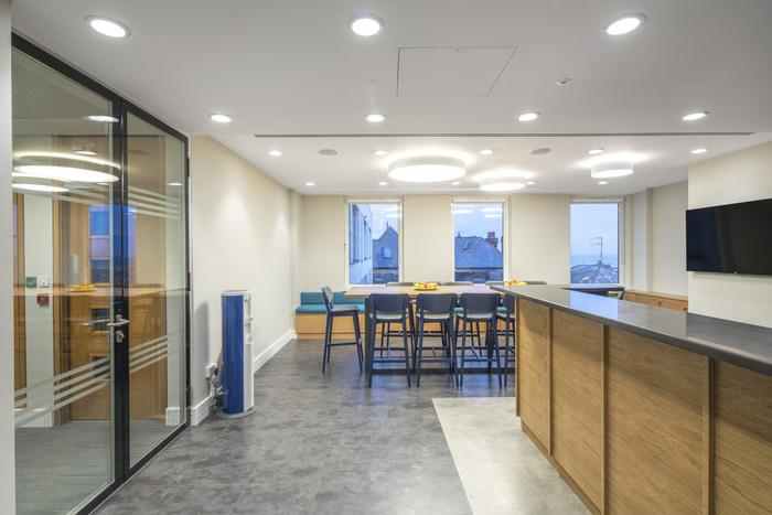 prothena-biosciences-office-design-6
