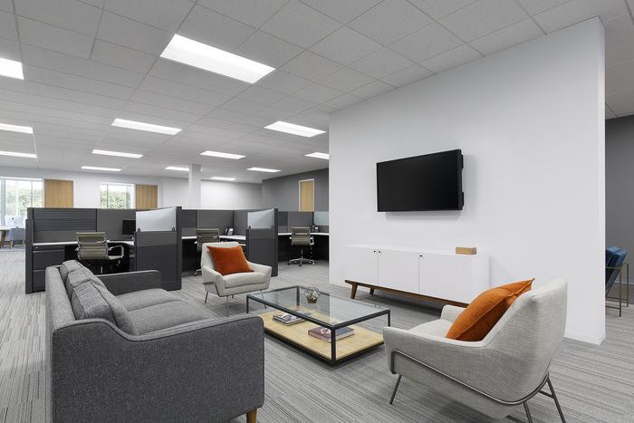 wet-seal-office-design-2