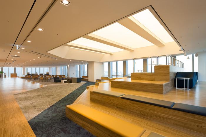 health-insurance-office-design-9