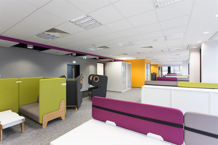 astra-zeneca-warsaw-office-design-4