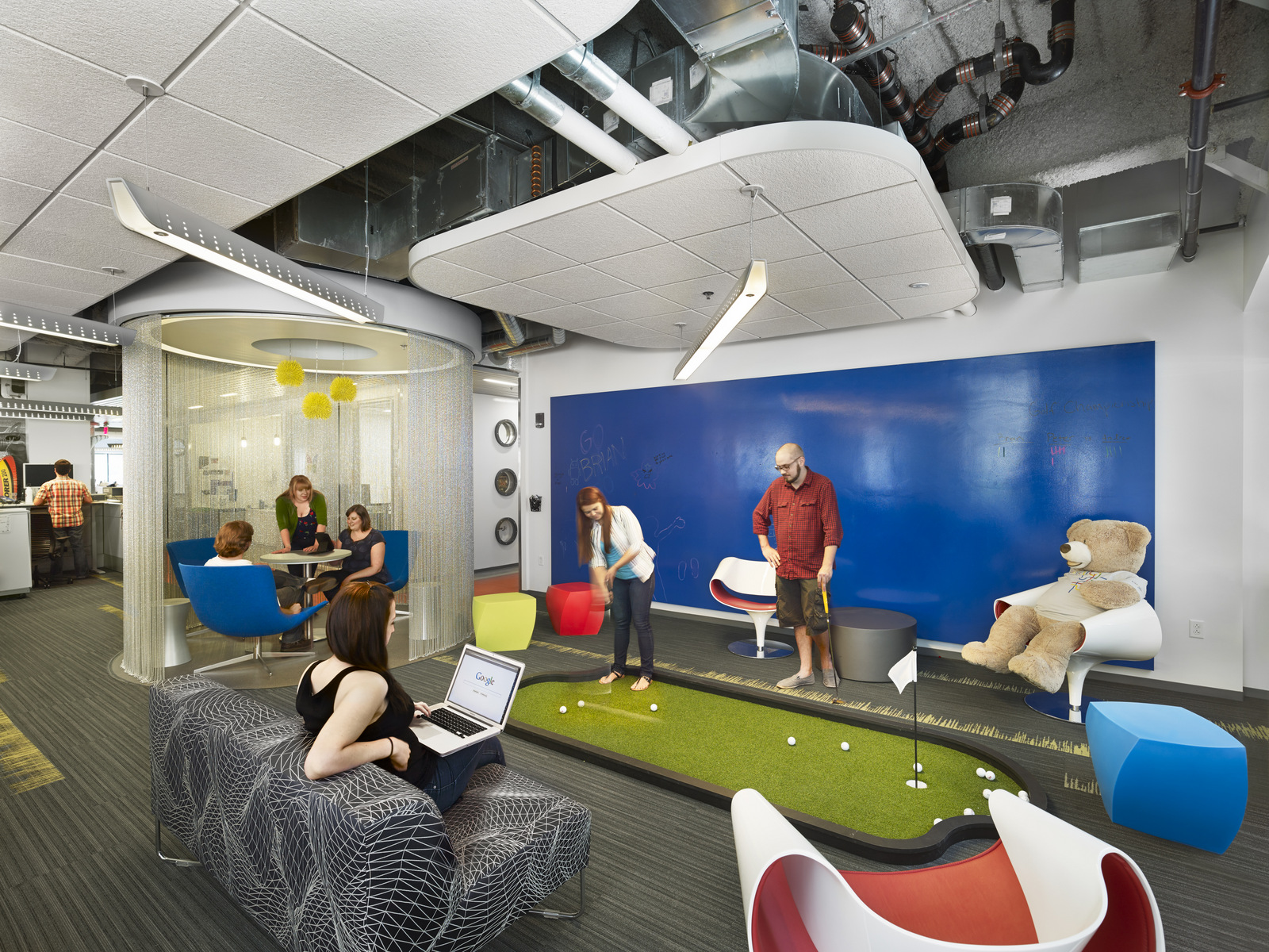 Google Office By NELSON And VeenendaalCave Office Snapshots