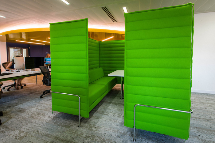 huddle-booth-reward-gateway-london