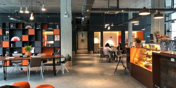 Serviced office in Sukhumvit, near BTS Prakanong Station