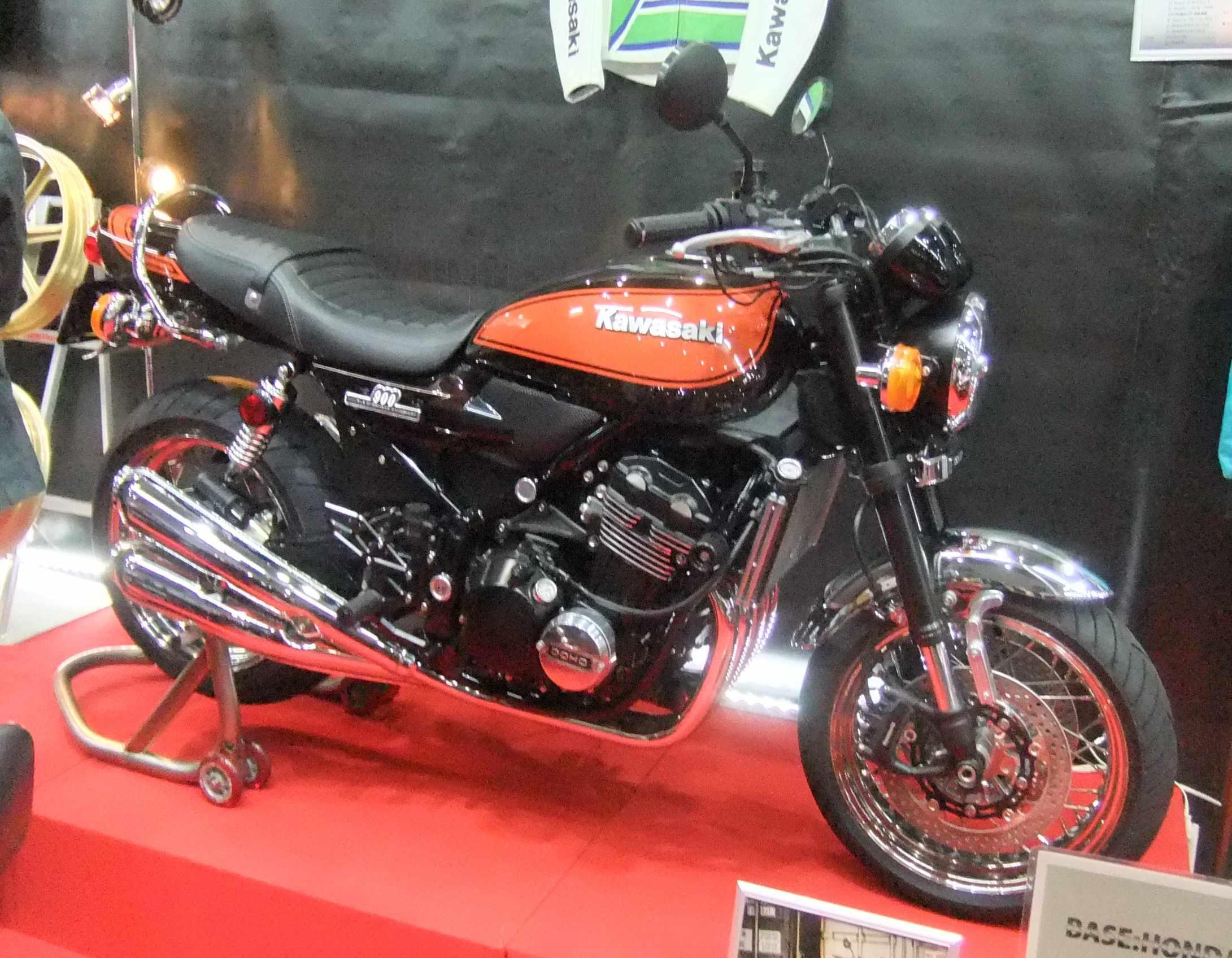SHAD K0ZR98ST KIT Top Kawasaki Z 900 RS18