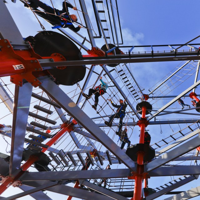 Norwegian cruises escape cruise ship ropes course