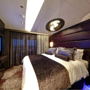 Norwegian cruises escape cruise ship haven suite bedroom balcony