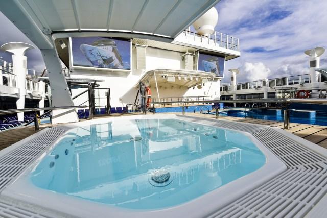 Norwegian cruises escape cruise ship pool deck