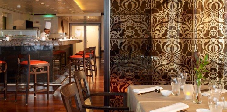 Residensea The World cruise ship bar