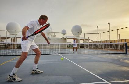 Residensea cruises The World cruise ship tennis