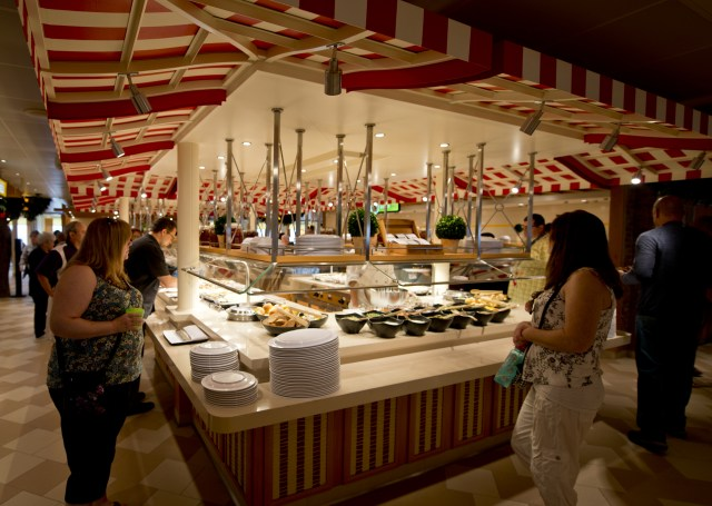 Carnival cruises Horizon cruise ship lido market