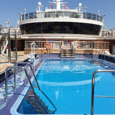 Cunard Queen Elizabeth mid-ship pool