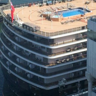 Cunard Queen Elizabeth aft pool