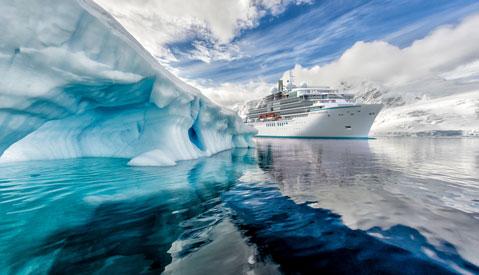 Crystal Cruises Endeavor exterior