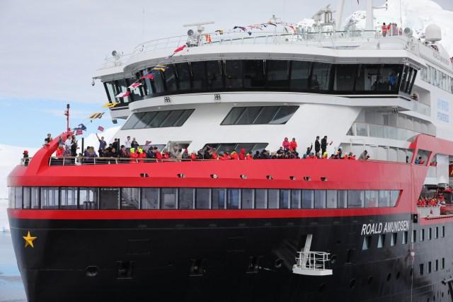 Hurtigruten cruises cruise ship bow