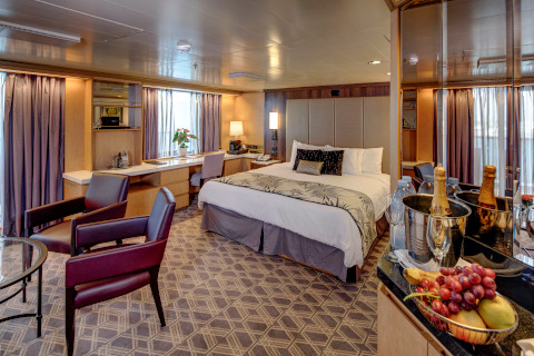 Holland America Noordam suite double bed