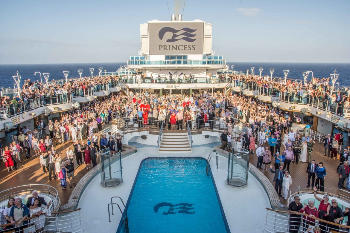 Princess Cruises sets Guinness World Record for largest vow renewal