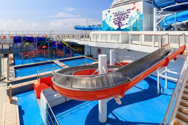 dream cruises world dream water park
