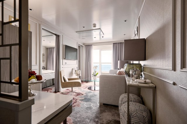 Crystal Cruises Symphony penthouse livingroom