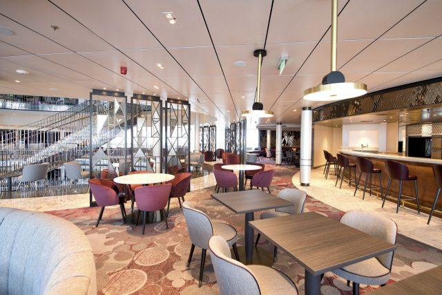 p and o iona cruise ship glass house lounge
