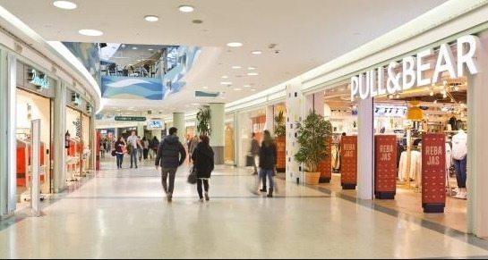 Estos son los centros comerciales abiertos hoy en Valencia