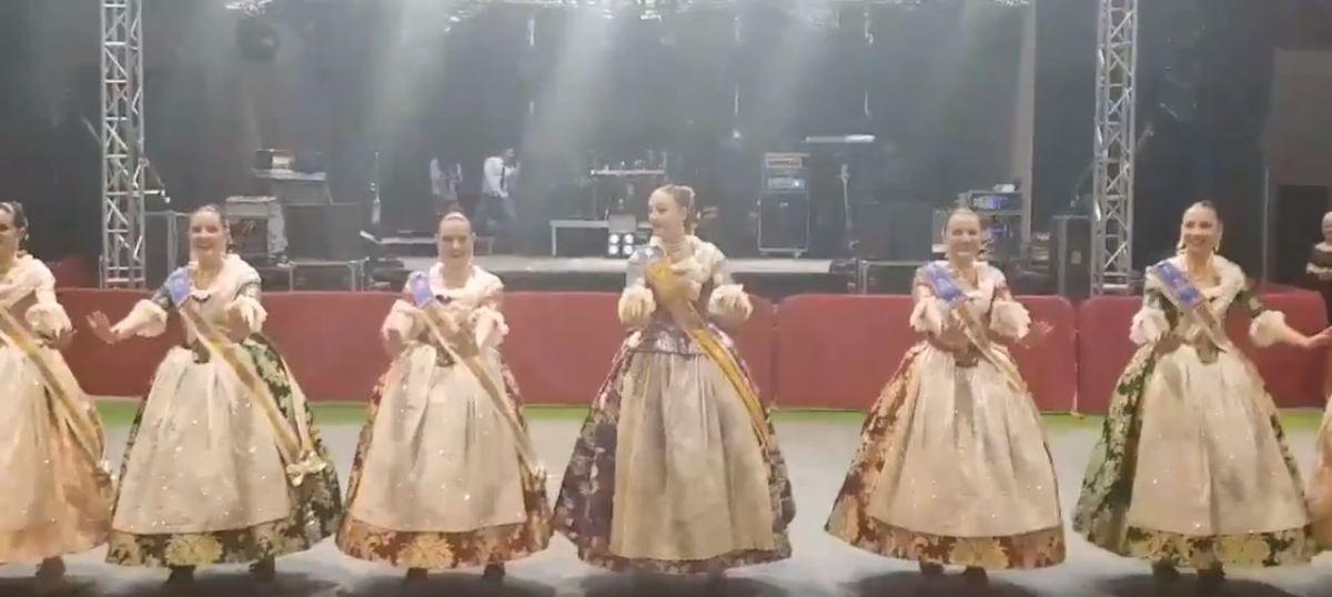 VÍDEO| El sorprendente baile de Rocío Gil y su Corte de Honor en la Gala Fallera
