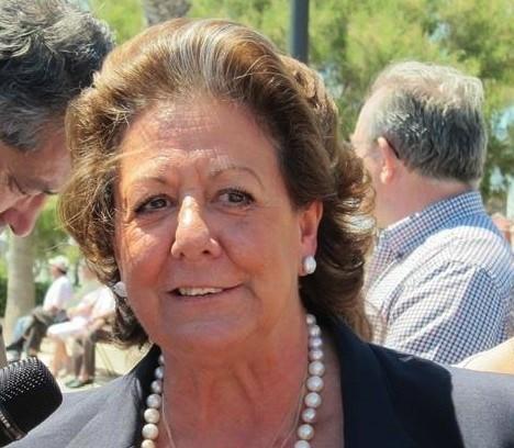 """Ayuntamiento de València celebra la retirada del cartel """"grosero"""" con Barberá y defiende el derecho a """"la dignidad"""""""