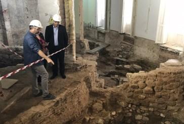 Hallan el mayor muro romano en València y el antiguo trazado de la calle Micalet