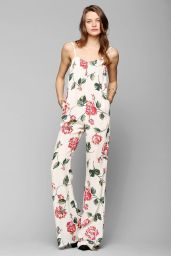 Urban Outfitters. http://www.urbanoutfitters.com/urban/catalog/productdetail.jsp?id=30581672&parentid=W_APP_DRESSES