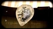 Fibbia argentata: cesellata e sbalzata da L'Officina del Conte Ruggero Cintura in cuoio realizzata da Tash Trash Mash Realizzata ispirandosi al disegno inviato dal committente