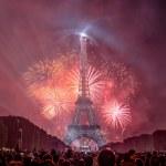 Le Top Des Meilleurs Endroits Pour Voir Le Feu D Artifice A Paris Paris Secret